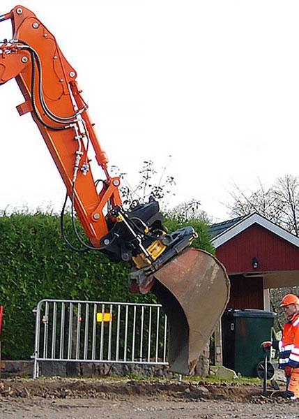 Wutz-Strassenbau-Kabelbau-Bagger